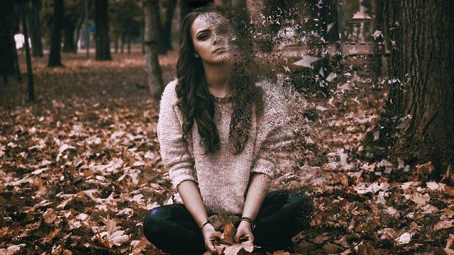 sadness-3434515_640